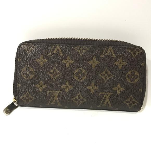 Louis Vuitton Handbags - Louis Vuitton Monogram wallet
